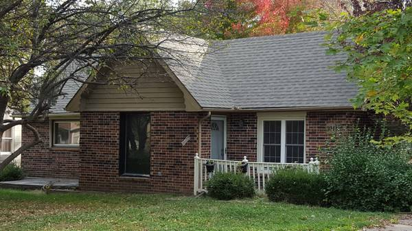 301 2nd Ave. S., Greenwood, MO 64034