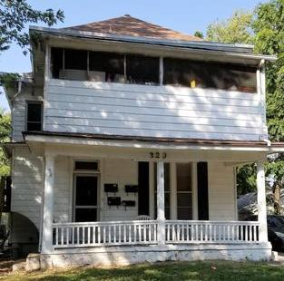 320 S Fuller Unit 1. Independence MO, 64055. RENT: $800